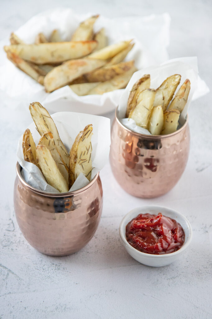 rosemary potato wedges with ketchup